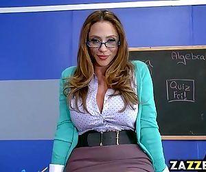 Ms Ariella Ferrera..