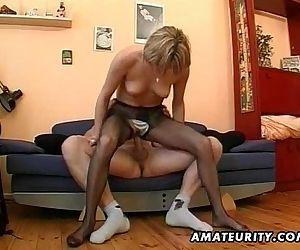 Hot amateur Milf..
