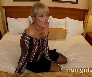 Sexy milf fucking young..