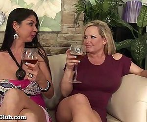 Horny Housewives..