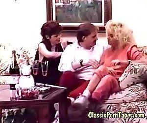threesome fuck in retro..