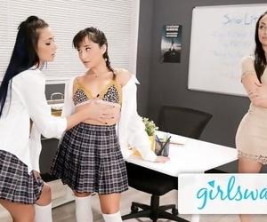 Girlsway Jaye Summers..